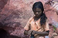 Kovalam Girl_8141 (Olderhvit) Tags: street travel portrait woman india girl canon 350d kerala indien kovalam porträtt travelphotography indianportrait resefoto olderhvit