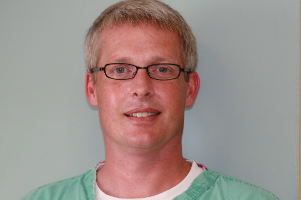 Teethwhitening.com Advisory Board - Dr. Robert S Maupin