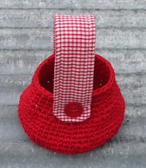 Red T-bag (gooseflesh) Tags: red bag handmade crochet tshirt yarn gingham purse
