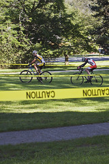 J_Zig-Zag across the Lawn (ETCphoto) Tags: bike race michigan trails traversecity thelawn taped 8514 gtcommons thethirdcoastbicyclefestival twinbayracingcyclocross