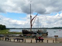 Pin Mill on River Orwell (n.klammer) Tags: suffolk pub shipyard barge manon riverorwell betula pinmill thamesbarge buttoyster harryking