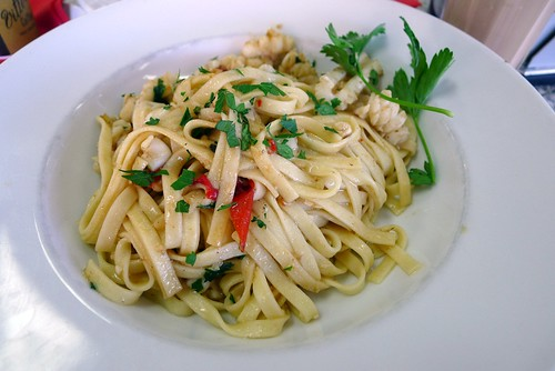 Calamari linguini@New Farm Deli