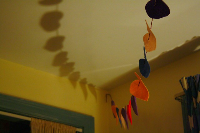 heart garland and its pretty shadows