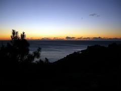 Recurdame (carlinhos75) Tags: contraluz mar nikon galicia cielo nubes horizonte anochecer portodoson baroa p5000 goldstaraward