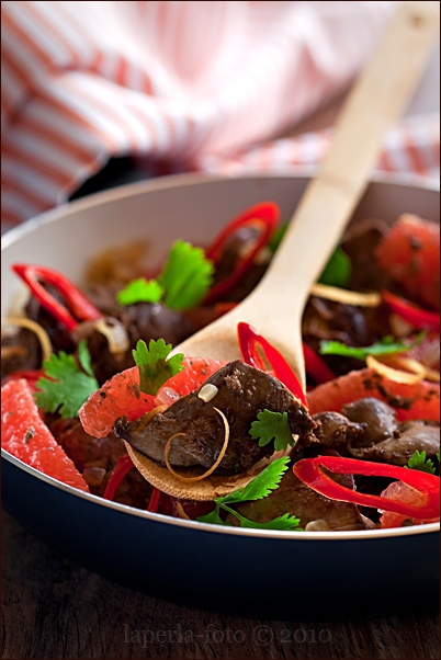 Chicken liver with chilli and grapefruit1