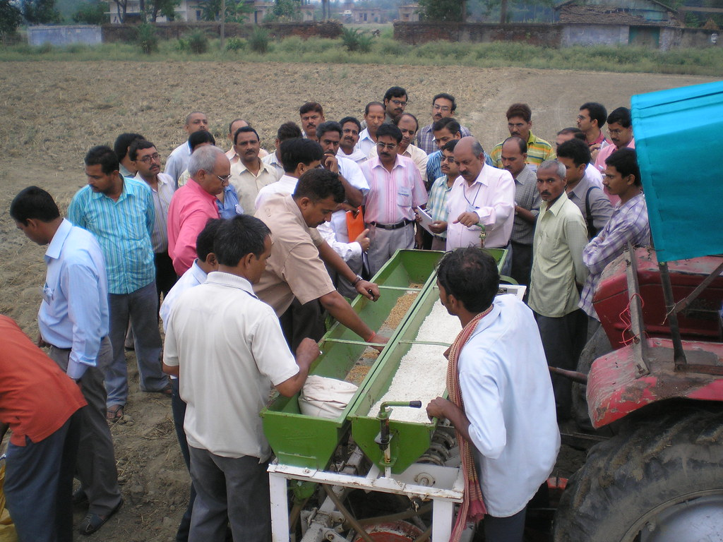 Getting to know the zero tillage seeder, CA workshop, India