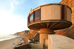 Bell Beach Pavilion (Chimay Bleue) Tags: california beach mushroom architecture modern canon la san bell contemporary modernism shift diego architect potato chip pavilion tilt jolla tse midcentury lautner 17mm naegle