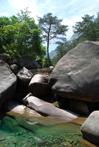 k31 - Green Pool and Rocks