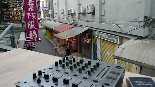 theCUBE陽台上的DJ枱