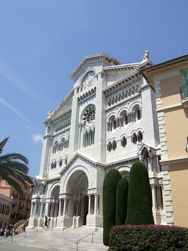 front view of Saint Nicholas Cathedral in Monaco