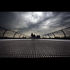 249/365: Into the storm (Mr. Flibble) Tags: bridge london millenium wideangle 365 explored idrinkleadpaint