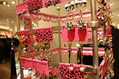 hot pink and leopard print (omfg2min) Tags: seattle pink black cute gold jewelry earrings bows betseyjohnson