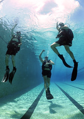 Acending to the Surface (US Navy) Tags: pool training divers military equipment militar flippers usnavy equipo entrenamiento unitedstatesnavy submergence buceador