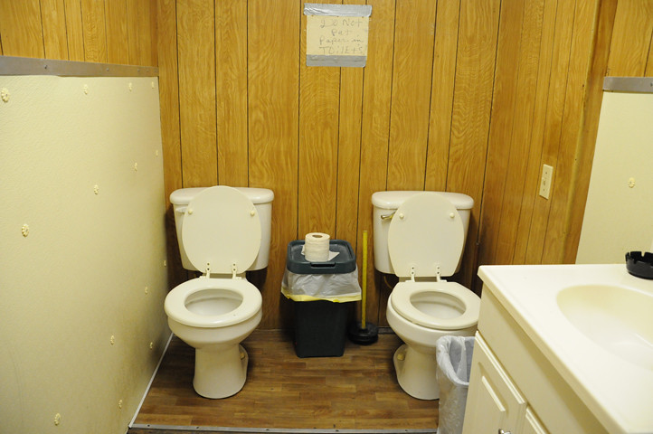 two toilets_1622 web
