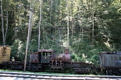 old train (blossomdawes) Tags: cassscenicrailway