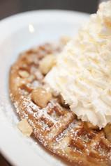 バナナホイップクリームとマカデミアナッツ ワッフル, Eggs'n Things, Harajuku