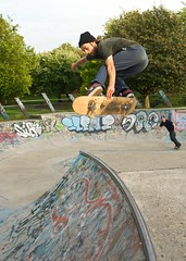 Meanwhile Gardens (MeanwhilePics) Tags: adam london nikon bowl skateboard meanwhile backsideair d700