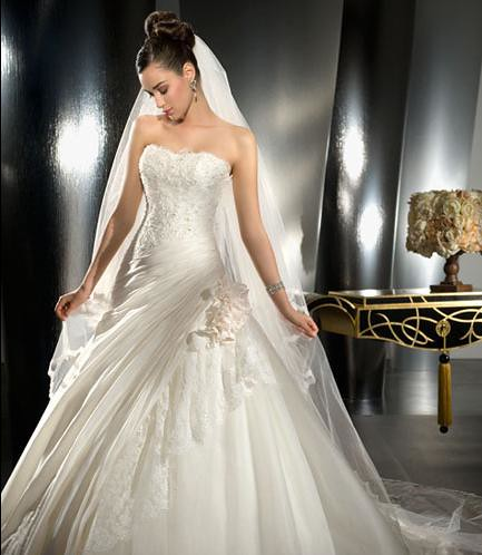 wedding gowns 2010
