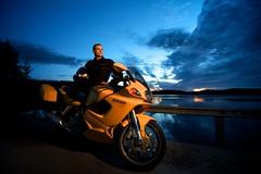 Ducati (Jouni Kallio (jjscoglio)) Tags: sunset suomi finland flash motorbike triumph ducati jyvskyl rocketiii moottoripyr strobist canon7d valokollektiivi