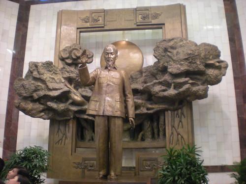 Hanoi - Ho Chi Minh Statue