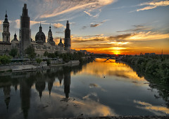 Sorry for the restoration work .... [Explore] (pimontes) Tags: sunset rio reflections river agua basilica zaragoza aragon puestadesol thepowerofnow selectbestexcellence sbfmasterpiece