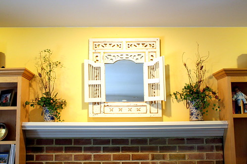 Mirror above mantle