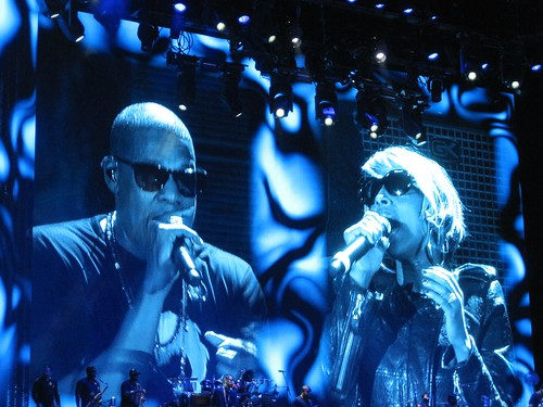 Giant Jay-Z and Mary J. Blige