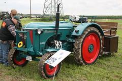 Hanomag R324 (sonjasfotos) Tags: traktor bulldog renault oldtimer holder unimog lanz mog trecker hanomag niederrhein schlepper deutz fendt eicher hela brggen schlter treckertreffen u2010 u411 u403 u423