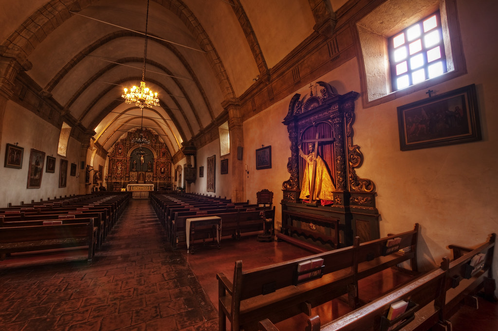 The sacred heart and center aisle