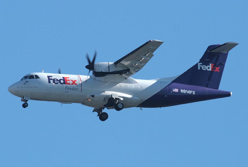 fedex feeder mountain air cargo atr atr 42 300 n914fx - Fedex Garden City