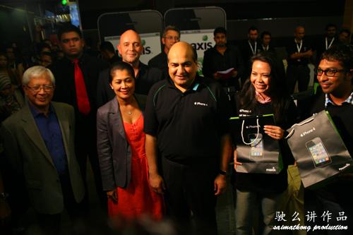 Maxis iPhone 4 1st customer