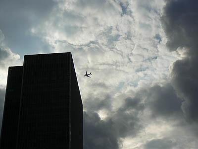 avion dans le ciel de CW.jpg