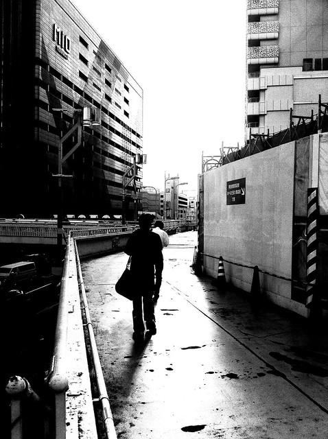 今日の写真 No.26 – 朝の通勤姿/iPhone4 + Spica