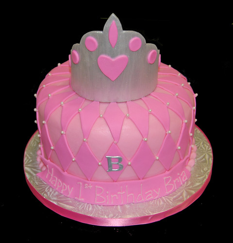 1st birthday silver tiara cake with pink diamond pattern and monogram