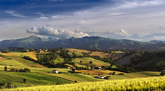 Colline e montagne (Massimo Feliziani) Tags: sunset fab italy landscape italian nikon italia tramonto explore frontpage marche paesaggio supershot topshots the4elements d700