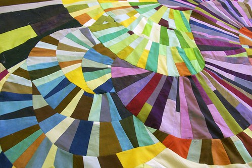 Mod Mood Quilt ~ Get Your Curve On