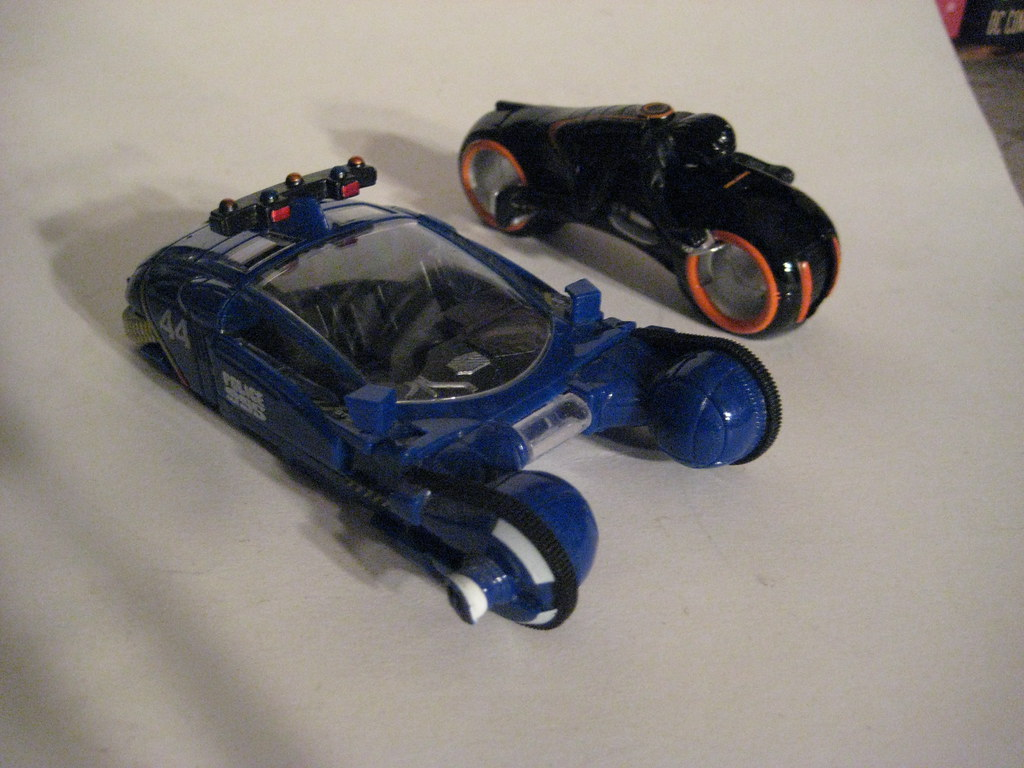 Blue Blade Runner Spinner Cop Patrol Car racing Orange and Black Tron Light Cycle 5477