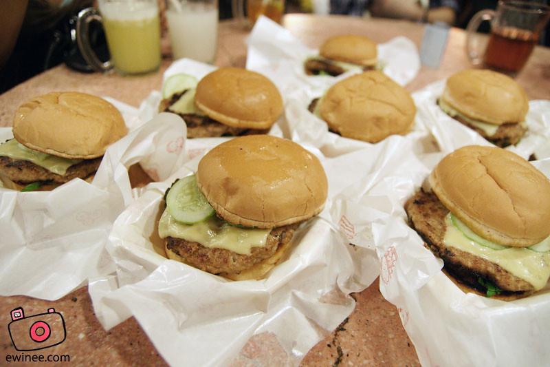 Burger-BABI-pork-burger-Ming-Tien-taman-Megah-3