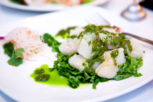 Scallops in scallion (and cilantro) oil