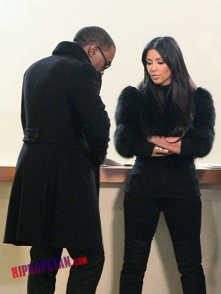 gallery_enlarged-kim-kardashian-kanye-west-reality-show-nyc-10052010-10