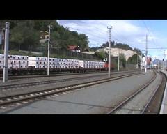 Mooie kleurrijke trein combinatie, 3 kleurstellingen en verschillende types (giedje2200loc) Tags: austria oostenrijk mooie traction rail company trein rtc txl kleur combinatie vervoer jenbach lokomotion kleurrijke tirool railpool treincombi intermodaal