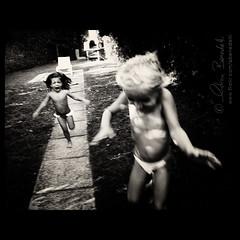 the scream () Tags: girls white black andy monochrome sepia kids children action andrea running run andrew terror afraid scared bianco nero corre bimbe azione paura terrore correre benedetti bambine  impaurite