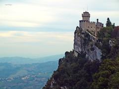 San Marino (Isabel Rodrguez) Tags: san italia arboles paisaje castillo marino roca pais rocoso mywinners