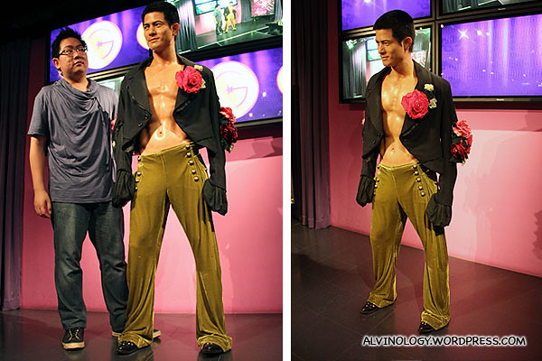 Checking out Aaron Kwok's chiseled body