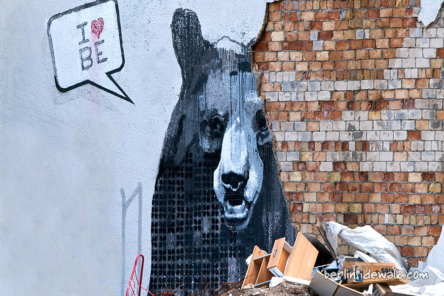 Berlin street art i love berlin berlin sidewalk