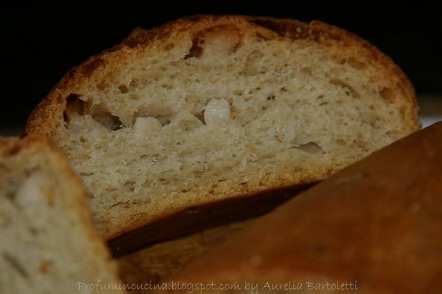 Pane al lardo e cipolla