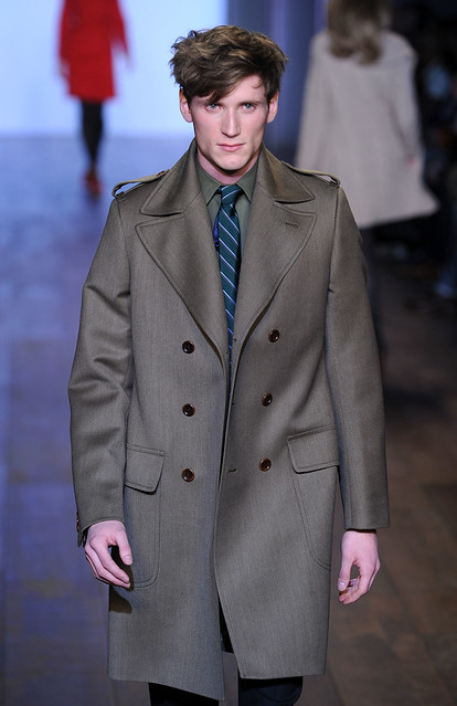 Bastiaan Ninaber3326_FW10_NY_Tommy Hilfiger_HQ(coutorture.com)
