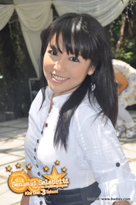 Eliza Razak