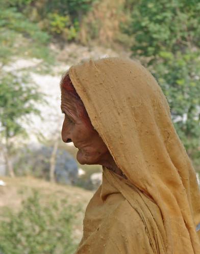 Zara Umr-e-Rafta Ko Awaaz Daina