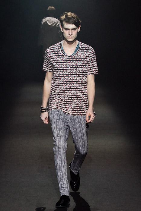 Douglas Neitzke3251_SS11_Tokyo_Lad Musician(Fashionsnap)